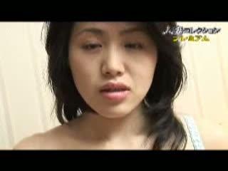 意外にも美巨乳な人妻の乳首に、イボ付きローターで触れる♪