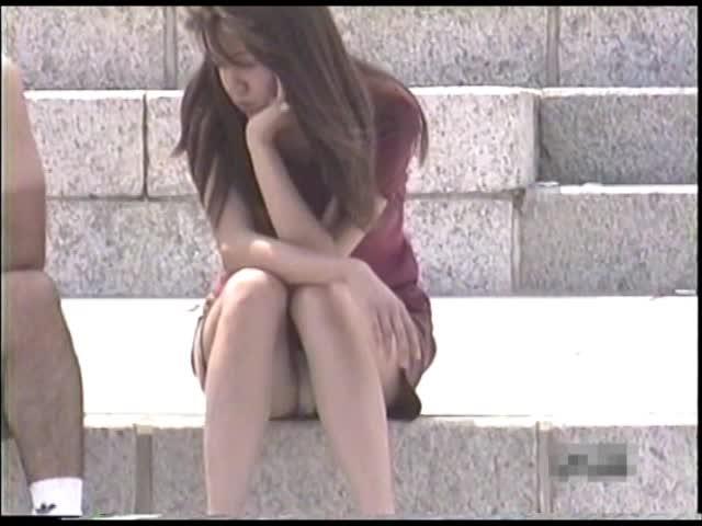 <パンツちら無断撮影映像>魅惑のデルタゾーンVol2私服編1